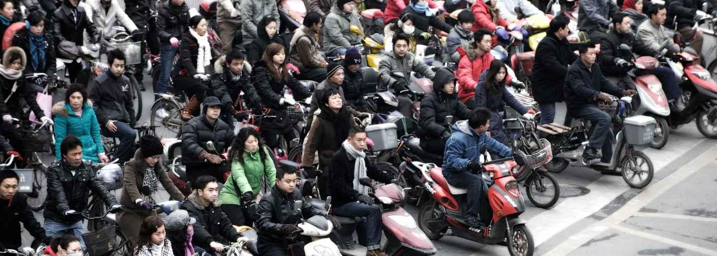 Gente en moto