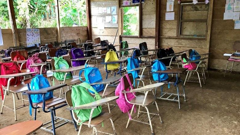 educación a través de aulas vacías