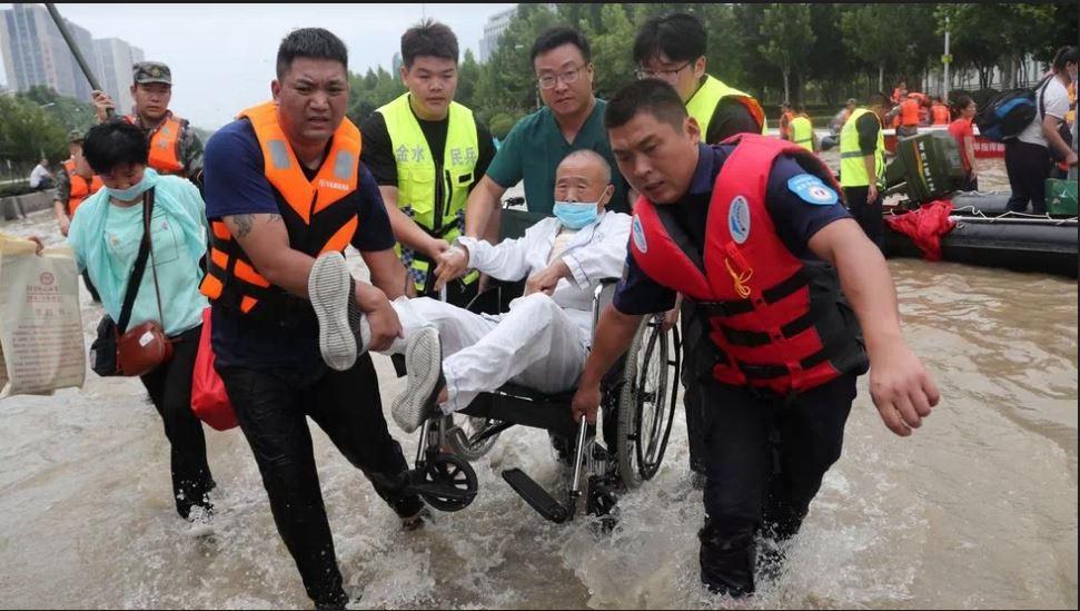 inundaciones en la ciudad de Zhengzhou, China
